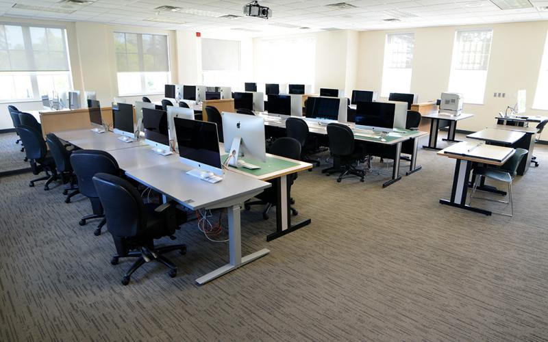 Lakeshore Computer Lab 4